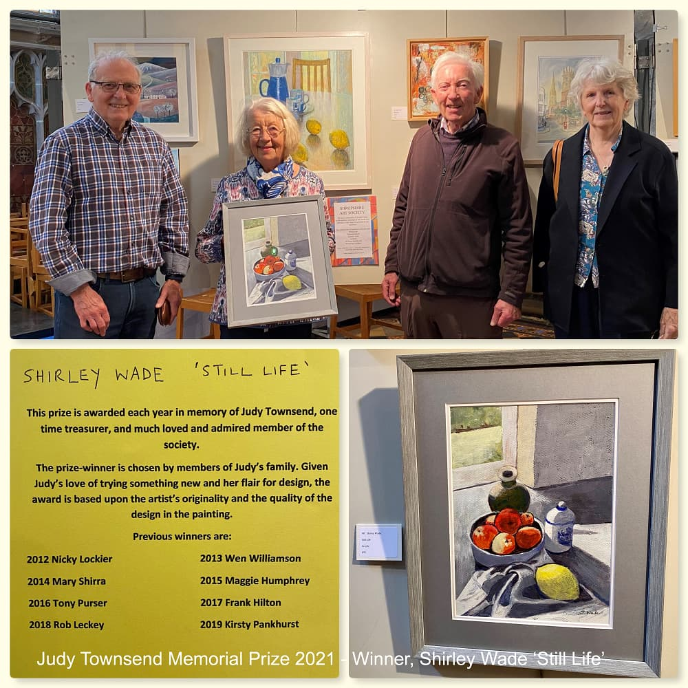 Shirley Wade and her painting 'Still Life', winner of the Judy Townsend Memorial Prize 2021